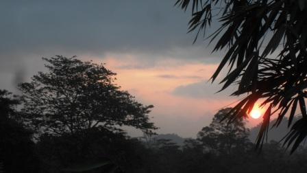 Sunrise over the Kalu Ganga